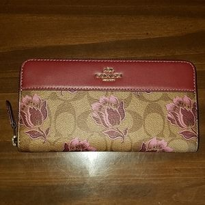 Coach Signature Accordion Zip Wallet Desert Tulip